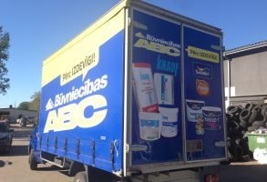 Būvniecības ABC piekabes aplīmēšana