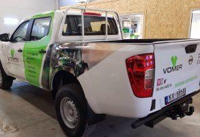 Vomer Nissan Navara auto dizaina izstrāde un auto aplīmēšana ar laminētām drukas uzlīmēm
