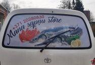 Auto loga aplīmēšana ar perforētu līmplēvi